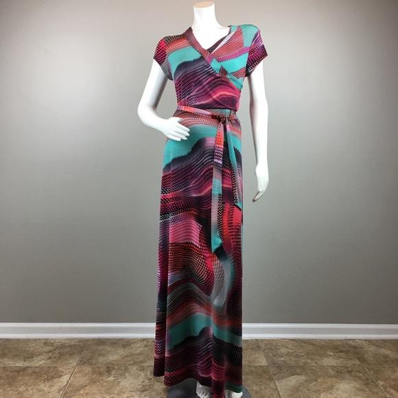 new directions Dresses & Skirts - New Directions Maxi Dress Stretch Geometric Print